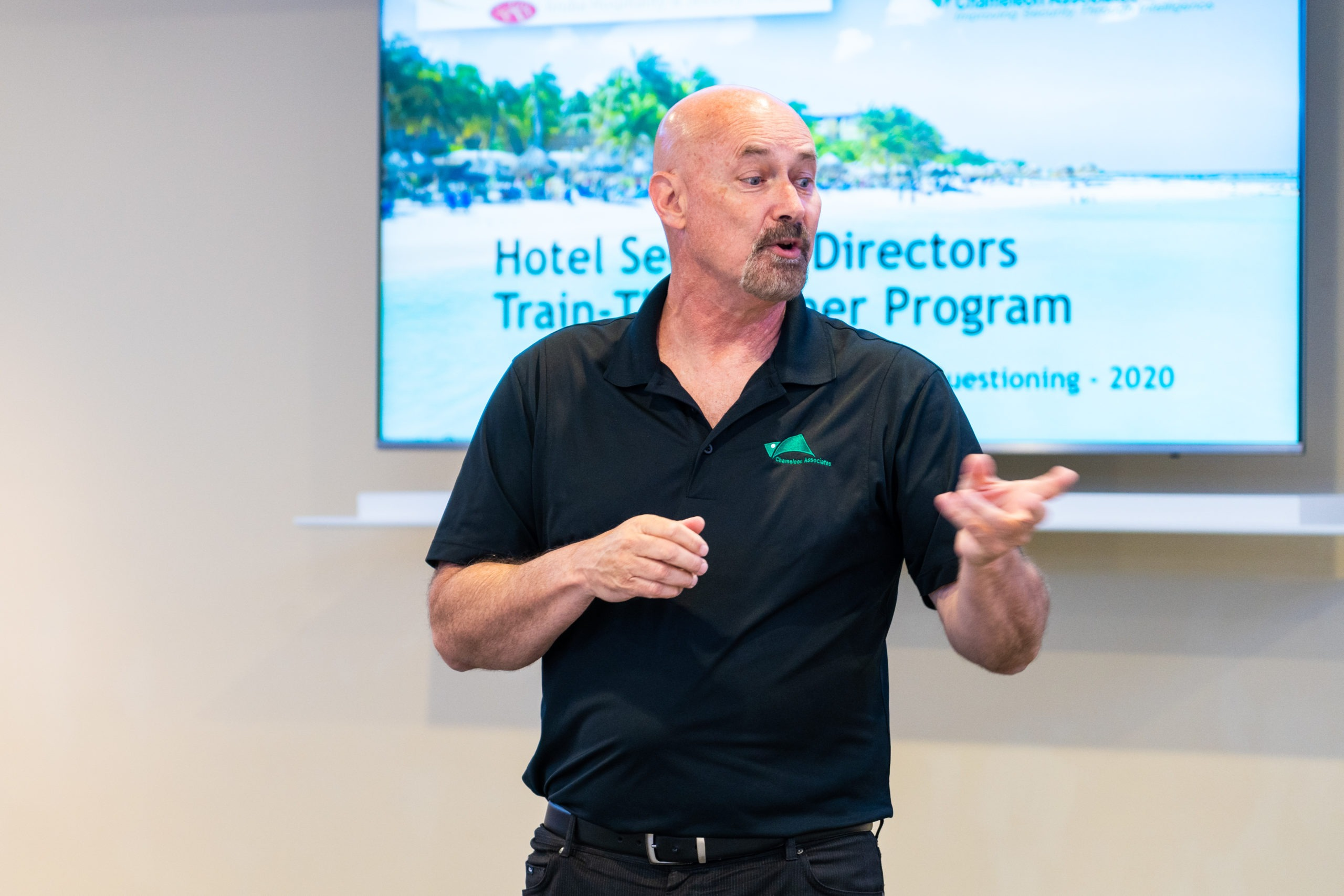 Senior Trainer, Peter Crabbe delivers a Train-The-Trainer Course for members of the Aruba Hospitality & Security Foundation (February 2021)